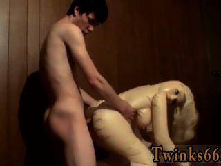 Homosexuell Jocks eine Puppe in ganz pissen