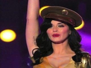 Katy Perry entkleidet in HD!