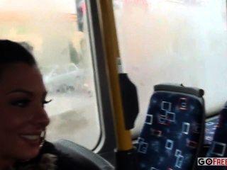 lindsey olsen Esel auf dem öffentlichen Bus gefickt