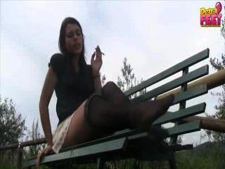 Rauchen Nylon Fußfetisch Göttin & pov Anbetung