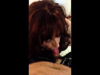 mandy Transe Schwanzlutscher dienen ihrem Herrn