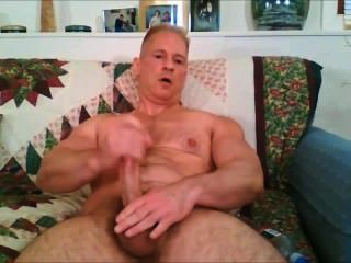 big dick Muskel Papi wichst & abspritzt