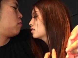 Asian Teen wird gefickt und Creampie