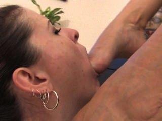 lesbische Slave fußanbetung 2