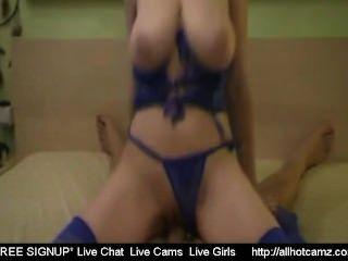 sexy Blondine auf dem Bett Webchat Amateur Zufalls Sex Chat fille sexy gefickt