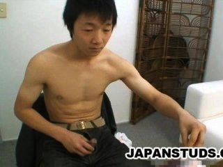Ryoji Tomita - nett nippon Junge seinen steifen Schwanz reiben