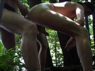 zweimal in den Wäldern gefickt