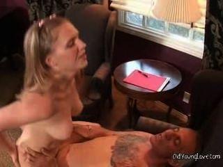 halten auf, dass Pussy Stampfen