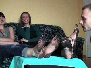 nette Mädchen und Füße