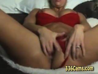 43 Jahre Blonde MILF ihren Orgasmus auf Webcam genießt