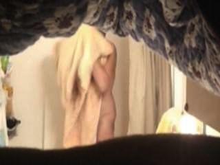hot mom in der Dusche