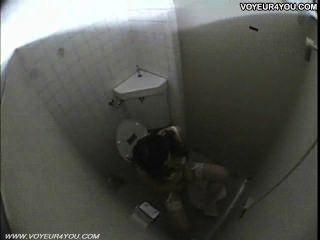 öffentliche Toilette Mädchen Masturbation