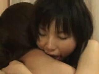 japanische Lesben reiben
