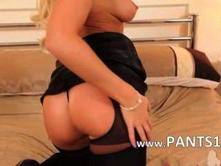 blond Babe in Nylons für einen Nocken necken
