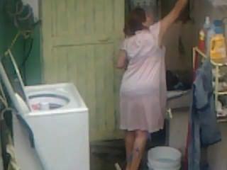 Spionage aunty ass Waschen ... großen Hintern mollig praller mom