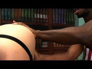 Sara Jay liebt schwarzen Hahn - Szene 2