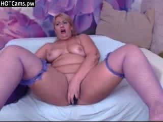 Amateur blonde reifen ihre Fotze vor der Webcam liebäugelt
