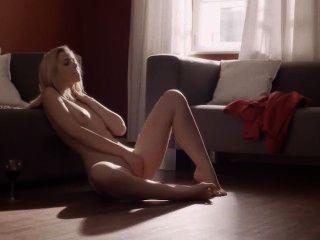 unglaublich masturbiert auf dem Boden