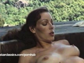 lesbischen klassischen Porno-Star Annette Haven - Super Hot Tub Aktion