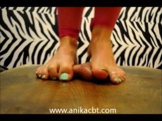 Anika stampft ihr Sklavenschwanz www.anikacbt.com
