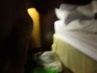 Gesichts- und ficken in einem Papierkorb Hotelzimmer
