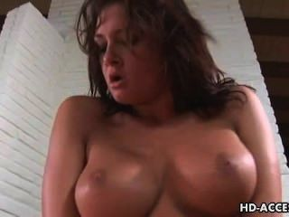 big Tit Babe bekommt eine grobe ficken