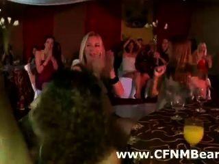 schwarz cfnm Stripper bei cfnm Partei saugte
