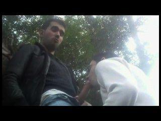 Bande fucks in öffentlichen Parks