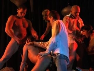 cecilia vega Analbenutzung in brutale Orgie