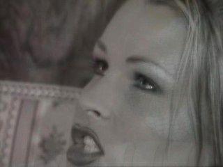Nikki Anderson - Euro Babe dritt in einem Herrenhaus