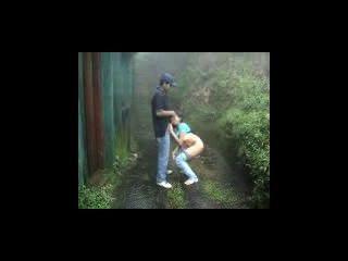 indian Liebhaber-Ausfertigungs in regen Außen