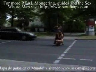 Prostituierte mit einheimischen Touristen.