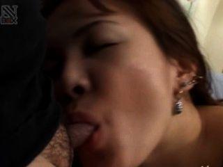 asian fucking von Tokio in einem Hotelzimmer