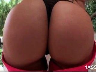 vollbusige Syren de mer genießt anal sex
