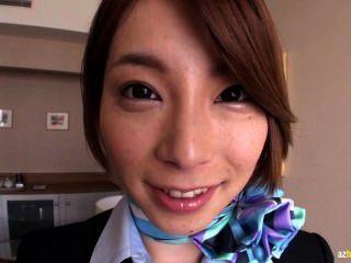 Tokio Stewardess nach Pflicht 1 hämmern