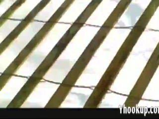 lana lässt Voyeure Öl auf ihre Brüste yhooku reiben