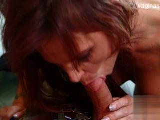 Nackt jugendlich Penis saugen