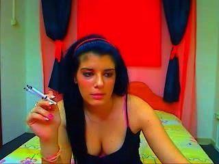 Raucher 2 Zigaretten Webcam Mädchen auf einmal # 2
