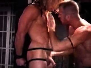 Blondy eine Strafe bekommen