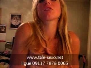hot blonde Babe playng mit ihre Brüste tele-sexo.net 09117 7878 0065