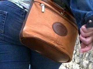 big ass in engen Jeans (offen)