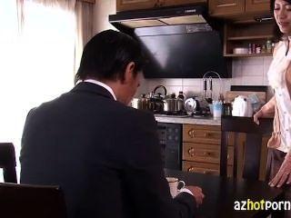 schöne asiatische Frau ihren Mann zu verraten