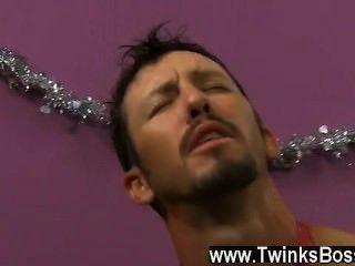 Homosexuell Video danny Bäche ist verzweifelt sein Weihnachtsgeld zu bekommen, auch wenn