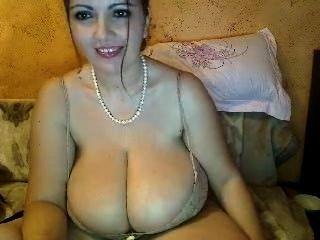hugeboobs36kk 12 31 13-1