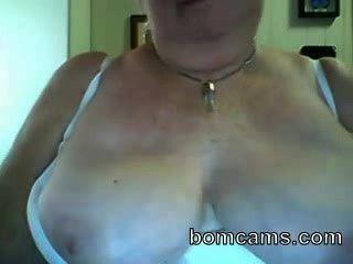 große Titten auf Webcam Oma zeigt - bomcams.com