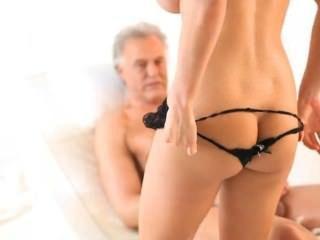 französisch blonde Berühmtheit cindy anal und wenig Titten