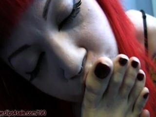Hooters Mädchen schläfrig