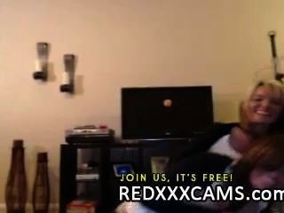 hot Teen ihre saftige Pussy und anal spielen in Webcam Live-Show leake fingern