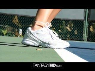 dillion hrper nackt Tennis werden sexuelle