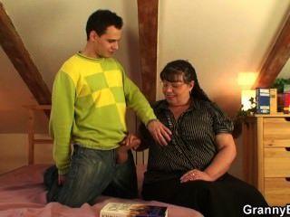 sie will einen Kerl mit ihren großen Titten und Fett Fotze